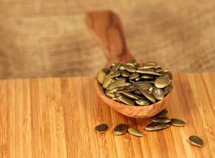 pumpkin seedsの写真素材 [FYI00867340]