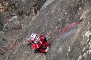 child in sport climbingの写真素材 [FYI00868296]
