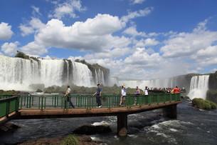 iguazu falls brazilの写真素材 [FYI00868426]