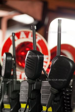 firemen radios in police carsの写真素材 [FYI00869124]