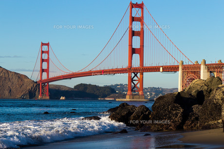 bridges_tunnelsの写真素材 [FYI00870368]
