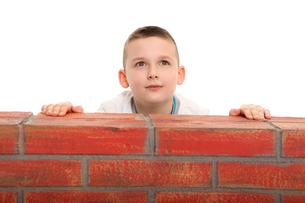 hoisting the wallの写真素材 [FYI00872258]