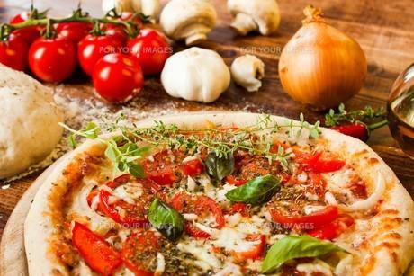 italian pizzaの写真素材 [FYI00873850]