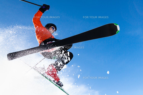 skier in jumpの素材 [FYI00873883]