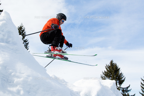skier in jumpの素材 [FYI00873887]