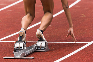 sprint start in track and fieldの写真素材 [FYI00873948]