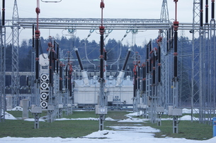 substation power plant in the spring with little snowの写真素材 [FYI00873988]