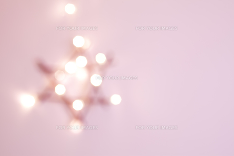 poinsettia fuzzy pink decorationの素材 [FYI00874538]