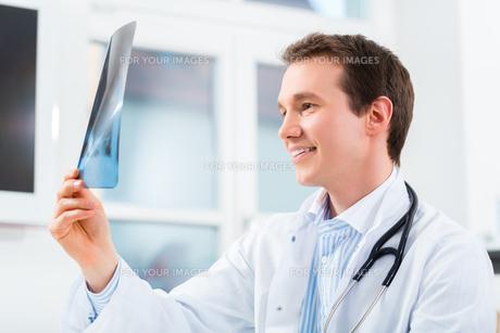doctorの素材 [FYI00874886]