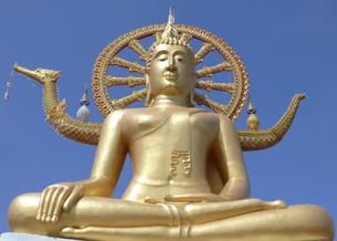 big buddha on koh samui in thailandの写真素材 [FYI00875227]
