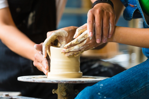 potter working on a potter's wheelの素材 [FYI00876026]