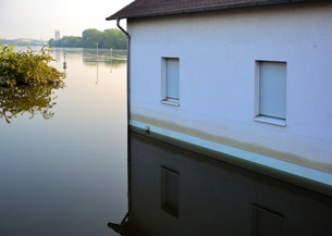 flood in magdeburgの写真素材 [FYI00876382]