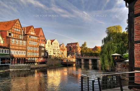 hanseatic town of l?neburg,old port in the morningの写真素材 [FYI00877201]