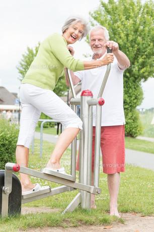 seniors and sportの写真素材 [FYI00879700]