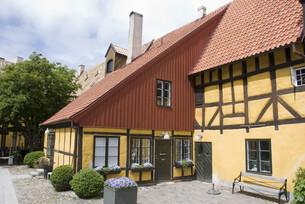 old scandinavian farm houseの写真素材 [FYI00879963]
