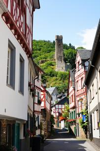 monreal - the most beautiful village in rheinland pfalzの写真素材 [FYI00880472]
