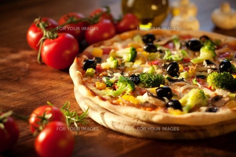 vegetable pizzaの写真素材 [FYI00880490]
