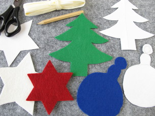 make christmas ornaments made of feltの素材 [FYI00880911]