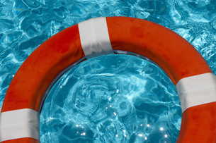 lifebuoy with waves / variationの写真素材 [FYI00881191]