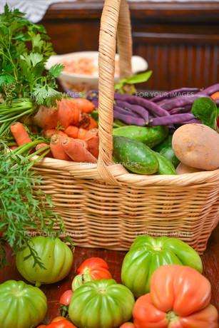 vegetable basketの写真素材 [FYI00882609]
