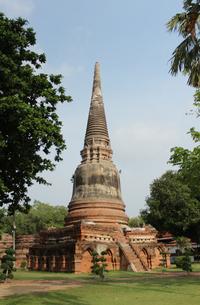 タイ・アユタヤ ワットヤイチャイモンコン 仏塔の写真素材 [FYI00883626]