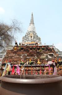 タイ・アユタヤ ワットプーカオトーン 仏塔の写真素材 [FYI00883629]