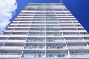 東戸塚の高層マンションの写真素材 [FYI00884685]