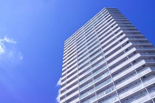 東戸塚の高層マンションの写真素材 [FYI00884686]