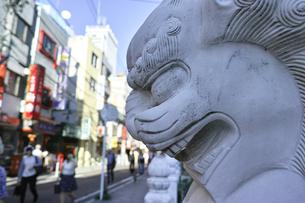 横浜中華街(ボケ素材)の写真素材 [FYI00884723]