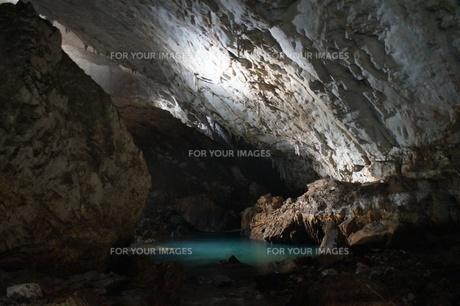 秋芳洞の風景の写真素材 [FYI00885187]