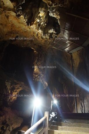 秋芳洞の風景の写真素材 [FYI00885200]