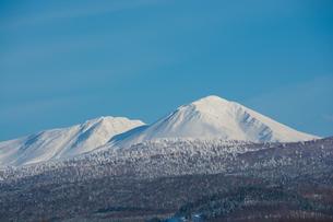 青空と雪山の写真素材 [FYI00885731]