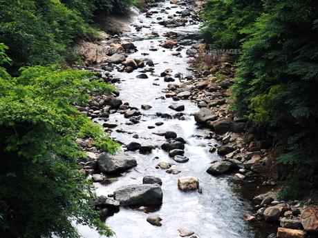 大分県日田市 夏の津江川の写真素材 [FYI00886234]