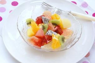 フルーツサラダの写真素材 [FYI00886456]