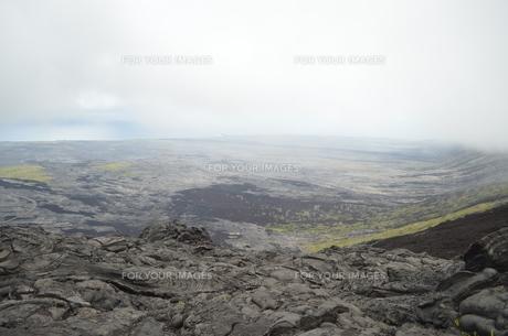 ハワイ島の溶岩を一望の写真素材 [FYI00886675]