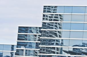 商業ビルの壁面の写真素材 [FYI00887129]