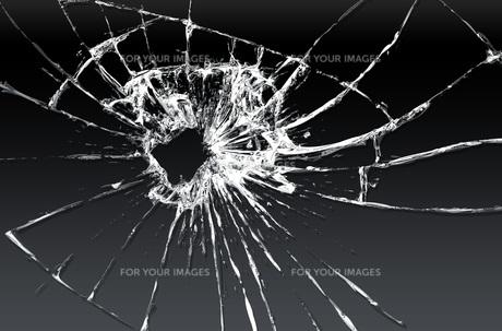 割れたガラスのイラスト素材 [FYI00887425]