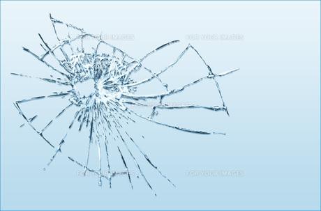 割れたガラスのイラスト素材 [FYI00887428]