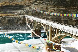 チベット、正月を迎える準備をする人々やその風景の写真素材 [FYI00888379]