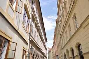 チェコ・プラハ歴史地区(ティンスカ・ウリチカ通り)の写真素材 [FYI00890140]