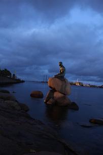人魚姫の像の写真素材 [FYI00890156]