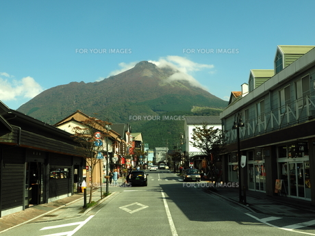 由布岳の秋 大分県の写真素材 [FYI00890169]