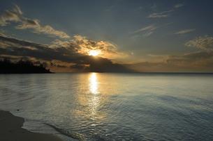 宮古島/島の夕暮の写真素材 [FYI00890665]