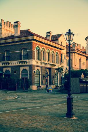 港町の夕暮れの写真素材 [FYI00890943]