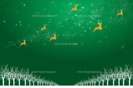 クリスマスのイメージ背景画像 緑色 雪の結晶の天の川と樹氷とトナカイ Christmas imageのイラスト素材 [FYI00891449]