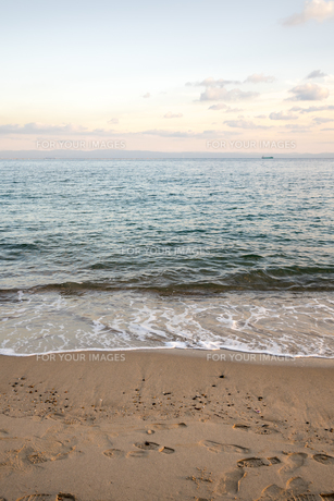 夕方の須磨海岸の写真素材 [FYI00891605]