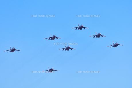 T-4練習機の編隊の写真素材 [FYI00891647]