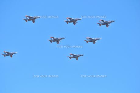 T-4練習機の編隊の写真素材 [FYI00891648]
