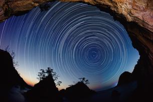 山陰海岸の夜の写真素材 [FYI00892762]