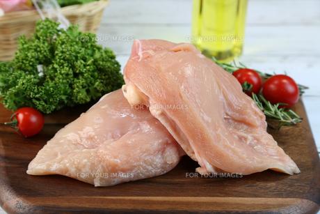鶏胸肉の写真素材 [FYI00893553]